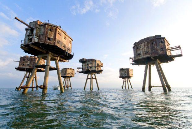 Construídos originalmente durante a Segunda Guerra Mundial como postos para proteger o rio Tâmisa de invasores, estes fortes estão abandonados na Inglaterra.