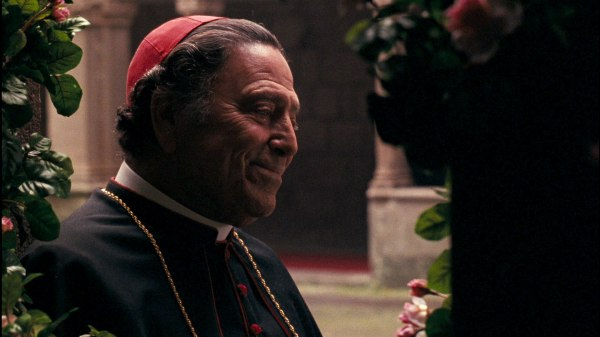 Raf Vallone como o Cardeal Lamberto em