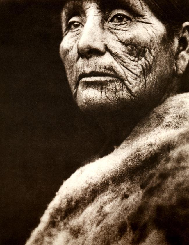 Membro do Conselho dos Anciãos da tribo.