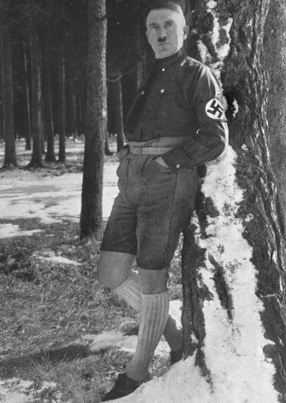 Hitler-short-trousers-276414