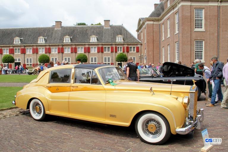 O Rolls Royce dourado que ele fez para a atriz Zsa-Zsa Gabor.