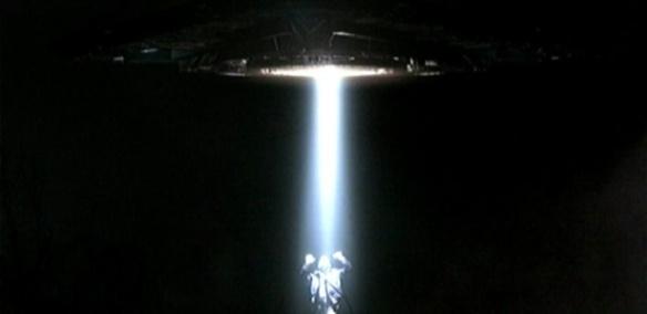 x-files-1---alienigenas-1452097976631_615x300
