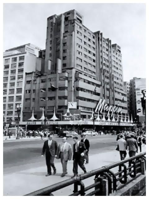 O Mappin na Praça Ramos de Azevedo, por volta de 1960.
