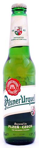 Pilsner-Urquell, encontrada aqui na garrafa de 300 ml por cerca de R$ 15,00