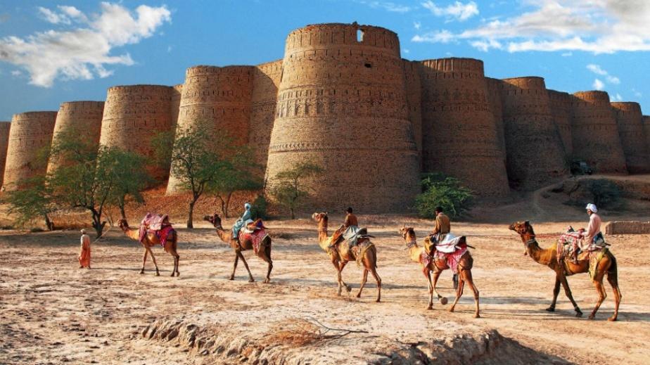 221155-1000-1456740743-Derawar-Fort-in-Bahawalpur-Pakistan-Samis-Photography