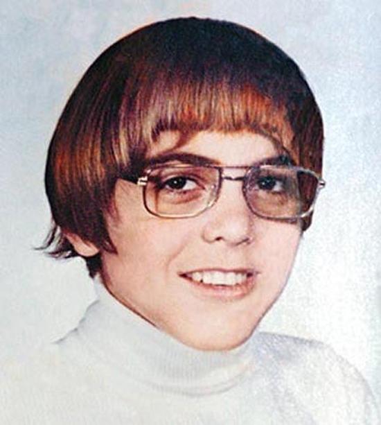 Com 16 anos, era o típico nerd... Ou, pelo menos, tinha cara de um.