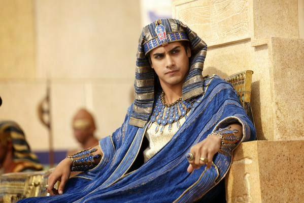 Avan Jogia como Tutankhamon